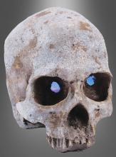 Totenkopf mit leuchtenden Augen