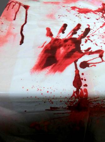 Tischdecke Blut mit Handabdrücken