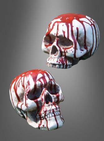 Blutiger Totenschädel