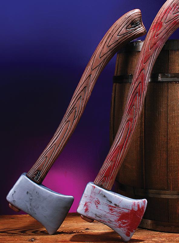 Axt mit oder ohne Blutflecken