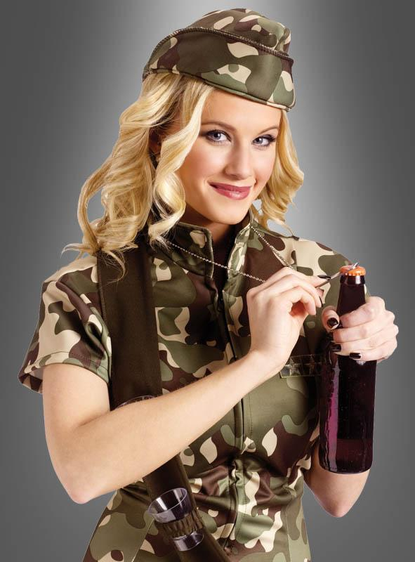 Trinkfeste Soldatin