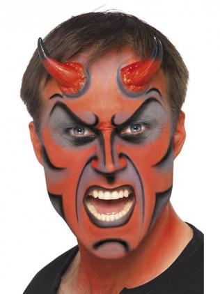 Mann mit rotem Gesicht und schwarzen Konturen